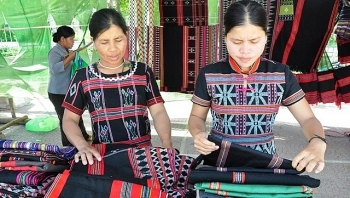 thua thien hue provided with eur25000 to develop traditional crafts