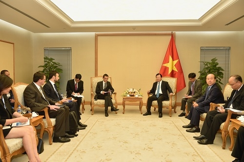 vietnamese french firms encouraged to expand cooperation in aviation
