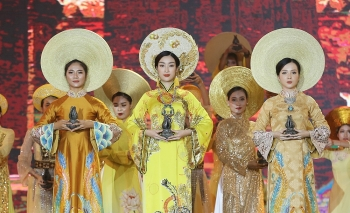 fragrant agarwood festival debuts in vietnam