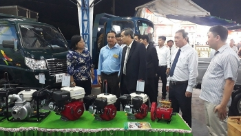 an giang international trade fair boosts border trade