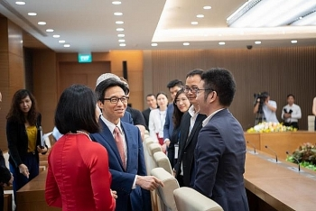 deputy pm receives australia vietnam young leadership dialogues members