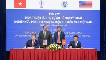 us provides us 14 million aid for vietnams lng development