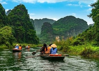 vietnam continues to attract record numbers of foreign visitors