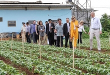 dutch queen visits farmers businesses in lam dong
