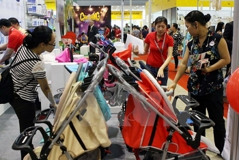 nearly 270 companies attend international retail and franchise show