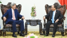pm nguyen xuan phuc welcomes john kerry