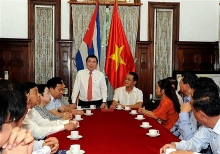 vietnamese cuban businesses ink trade agreements