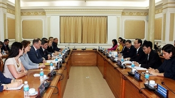 ho chi minh city boosts cooperation with saint petersburg