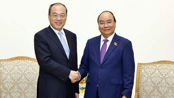 pm yunnan governor discuss ways to boost economic ties