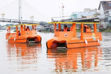 hanwha launches solar powered mekong river clean up campaign in vietnam