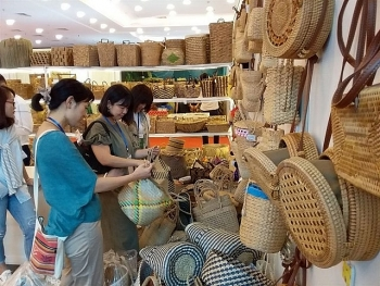 fine art and handicraft exports surge in five months