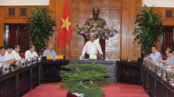 pm works with thua thien hue provincial leaders