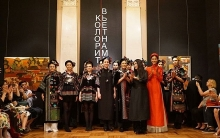 vietnams ao dai impresses russian friends