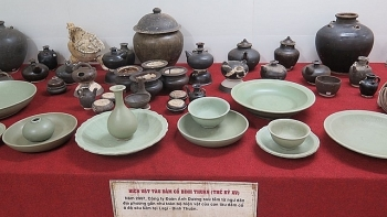 exhibition unveils artifacts found in ancient shipwrecks along vietnam coast