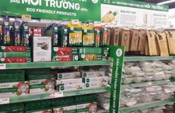 vietnam mulls more legal action to reduce plastic waste