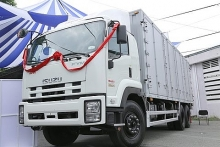 isuzu launches spv models