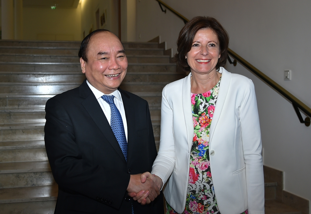 pm hails german states role in developing viet nam germany ties