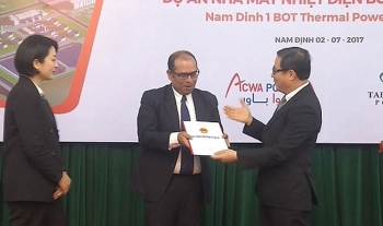 handing over investment certificate for nam dinh i thermal power project