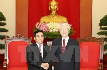 party chief nguyen phu trong welcomes laos vice president