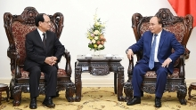 pm nguyen xuan phuc greets asean secretary general