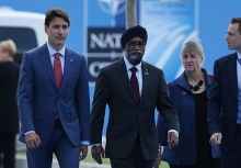 trudeau trump talk trade during sideline meeting at nato summit