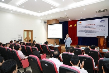 samsung vietnam opens more training courses for consultants in support industry