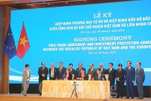 vietnam eu sign free trade investment protection agreements