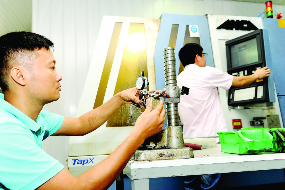 hanoi seeks to improve its competitiveness ranking further