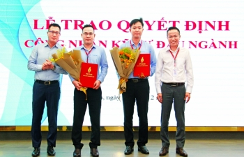 pv gas honors two leading engineers