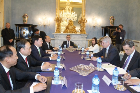 top diplomats highlight vietnam spain sound cooperation