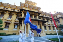 flag raising ceremony marks aseans 50th anniversary in hanoi