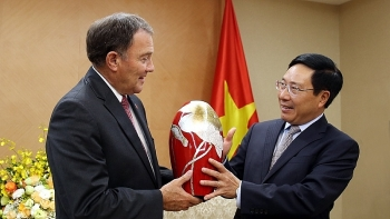 deputy pm pham binh minh receives governor of utah state