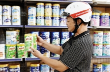 son la province residents partial to vietnamese goods