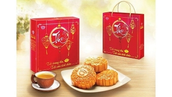 vietnams mooncakes shipped abroad for traditional festival