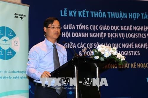 australia supports vietnamese firms with vocational logistics education
