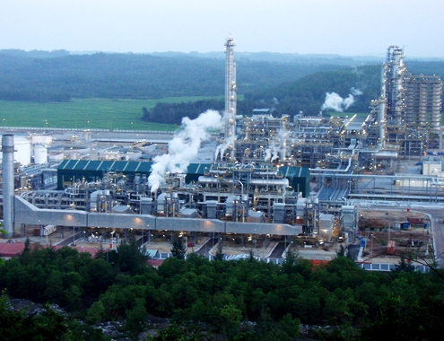vietnams nghi son refinery seeks approval for oil product exports