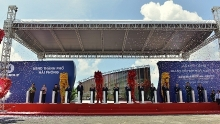 pm launches construction for vingroups automobile manufacturing complex