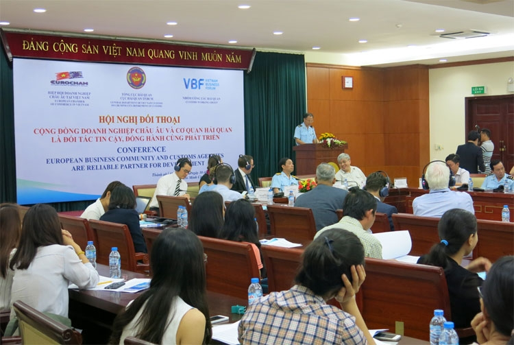 vietnam customs holds dialogue with european business community