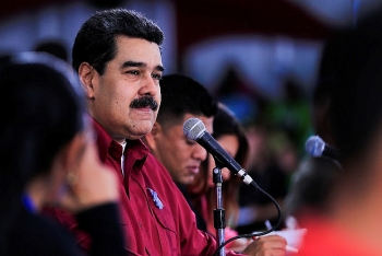 venezuelan president heads to china with great expectations