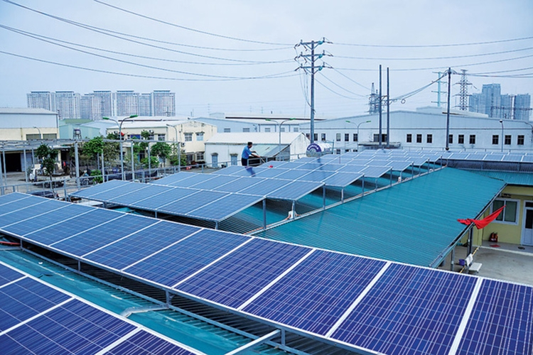 solar energy investors racing for incentives