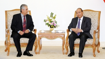 pm phuc hails wftus support to vietnam