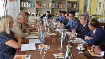 vietnam highly values partnership with spain official