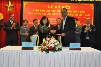 dong nai bosch vietnam sign mou on training industry 40 workforce