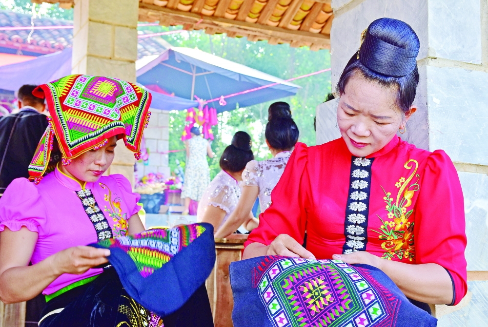 a must visit to the traditional markets of northwest vietnam