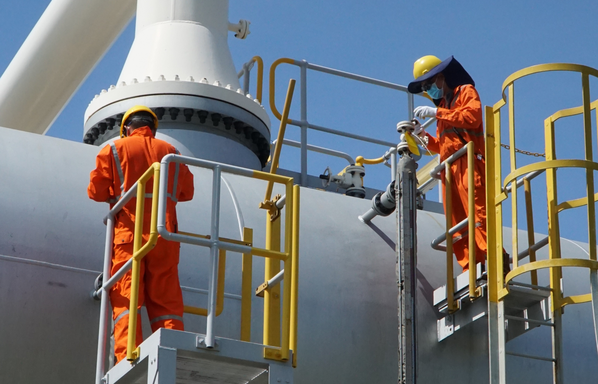 petrovietnam seeks creative ways to overcome pandemic related obstacles