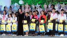 state leaders send best wishes and gifts to children ahead of mid autumn festival