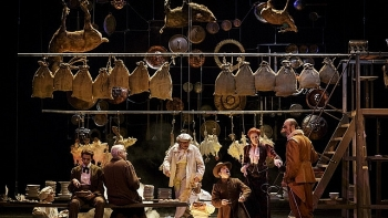 play cyrano de bergerac screened in vietnam