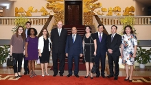 vietnam willing to share economic development experience with cuba pm