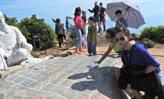 tourism activities to be paused on son tra peninsula during apec week