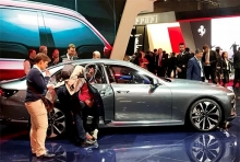 vietnamese firm introduces car models at paris motor show